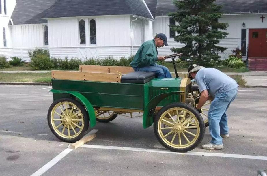 Užvesti automobilį rankena buvo ir sunku, ir pavojinga, ypač jei nebuvo laikomasi pagrindinių saugumo taisyklių