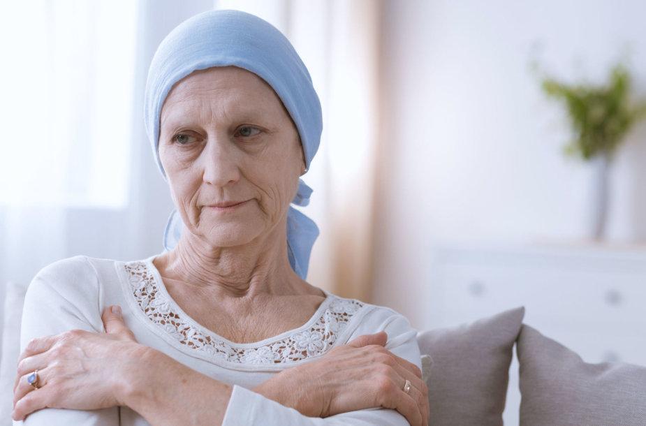 Vėžiu serganti moteris