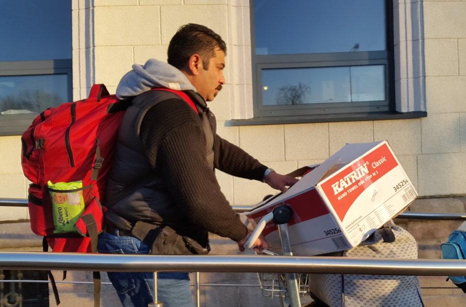 Pirmoji pabėgėlių šeima pasiekė Lietuvą
