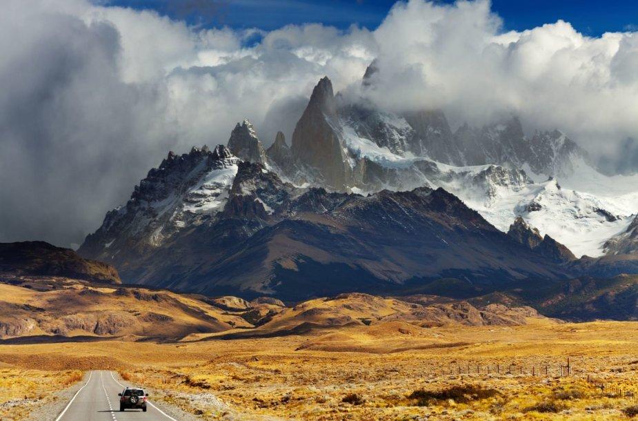 Ficrojus, Argentina ir Čilė