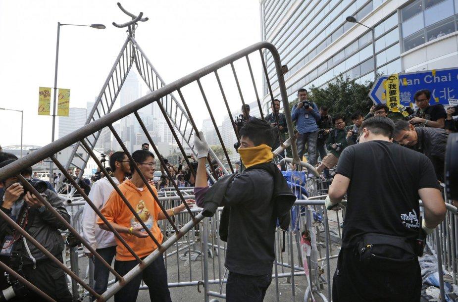 Honkonge ardomos protestuotojų stovyklos