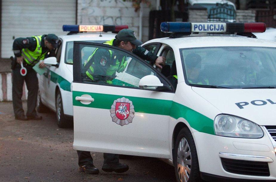 Vilniaus policija gaudė A juostą užimančius automobilių vairuotojus