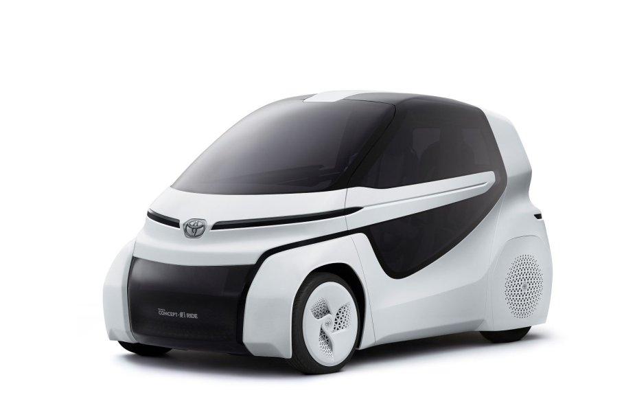 "Koncepcinis ""Toyota Concept-i Ride"" modelis."