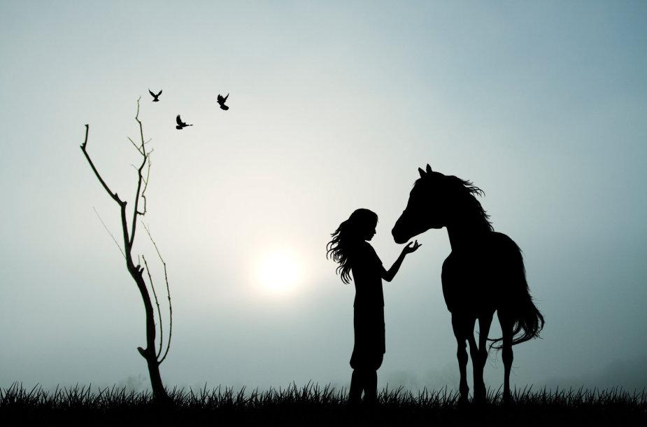 Mergina ir žirgas