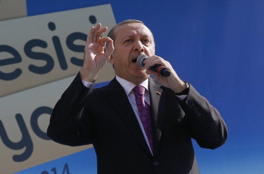Turkijos prezidentas Recepas Tayyipas Erdoganas per religinės mokyklos atidarymą Ankaroje