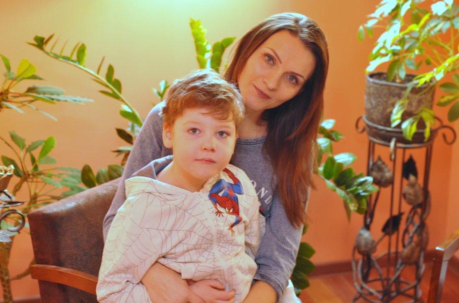 Živilė Kulėšė su sūneliu Jokūbu
