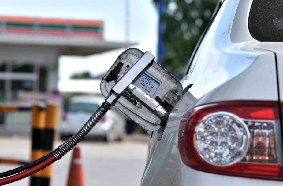 Suskystintos gamtinės dujos automobiliams