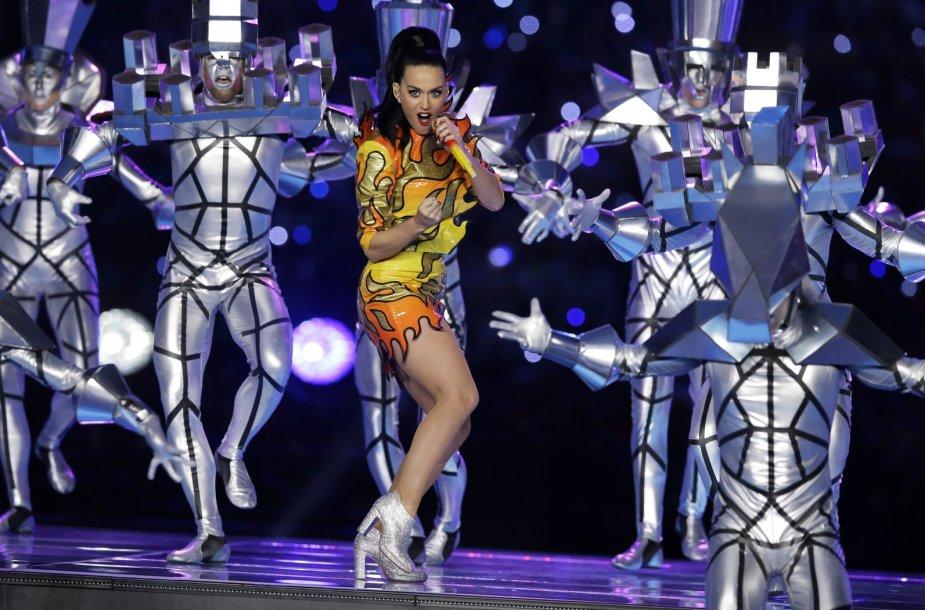 Per rungtynių pertrauką koncertavo dainininkė Katy Perry