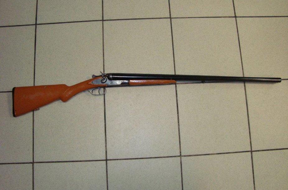 Pas senolį rastas šautuvas