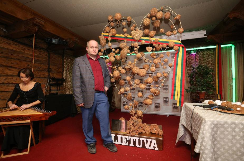 Rekordinė gintarinė širdis Lietuvai