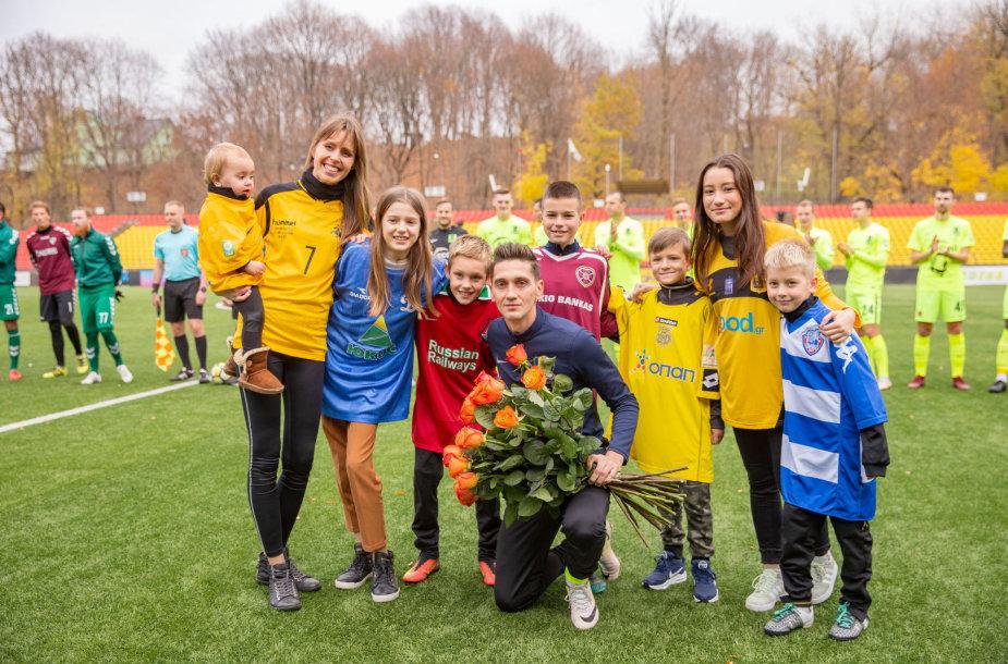 Vaida Grikšaitė-Česnauskienė su šeima