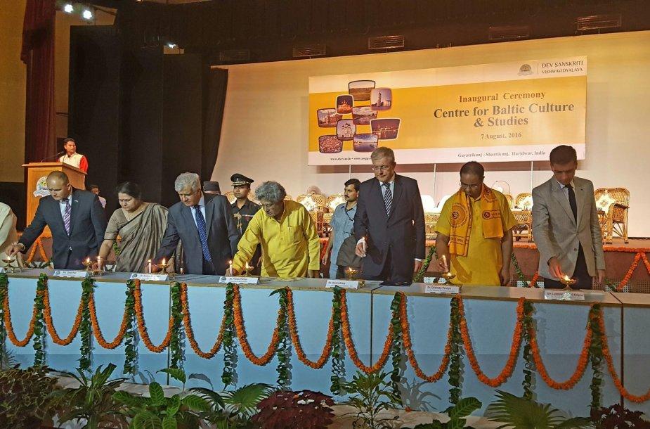 Indijoje atidarytas Baltijos šalių kultūros ir kalbų studijų centras