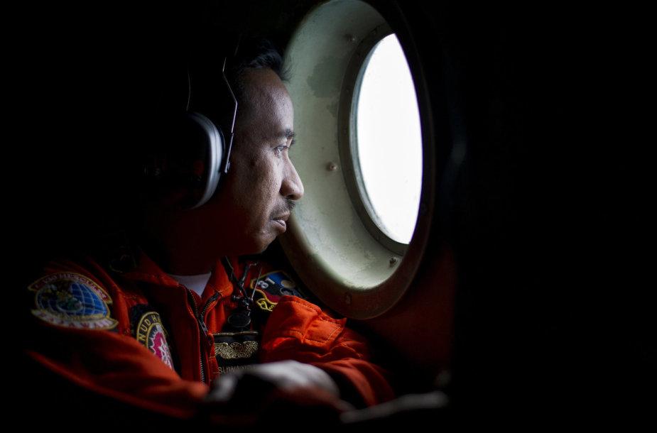 """""""AirAsia"""" lėktuvo paieška"""