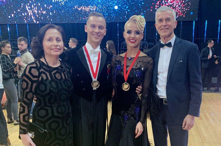 Evaldas Sodeika ir Ieva Žukauskaitė-Sodeikienė su treneriais
