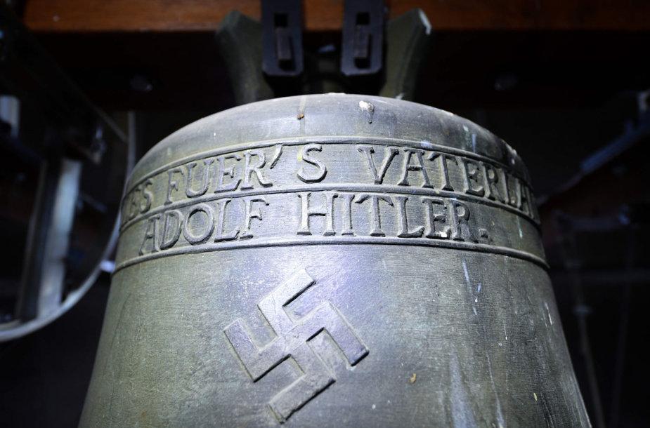 """Hitlerio varpas"""