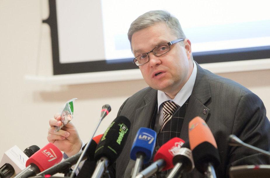 Vitas Vasiliauskas ir lietuviškų eurų rinkiniai