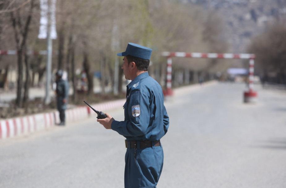 Afganistano pareigūnas įvykio vietoje