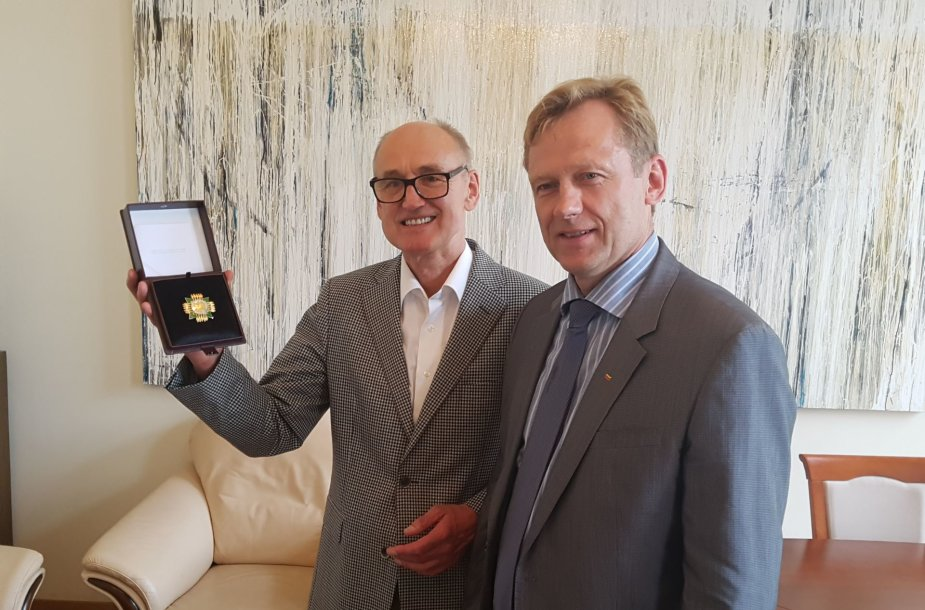 Kultūros ministerijos aukso žvaigžde apdovanotas Kauno valstybinio lėlių teatro vadovas Sigitas Klibavičius