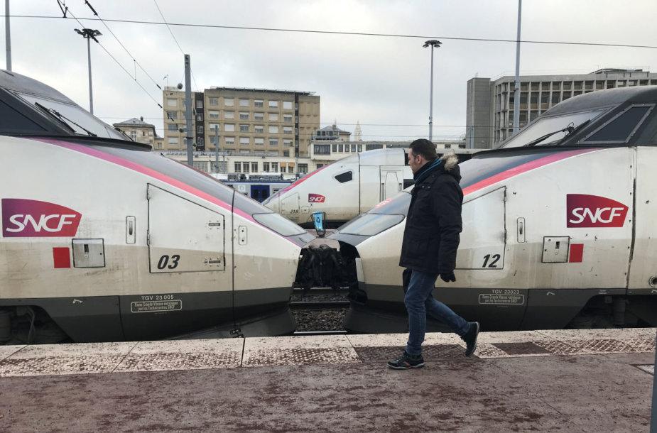 Traukiniai Paryžiuje