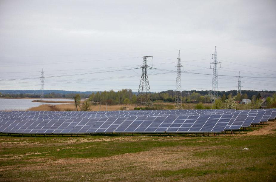 Šalia Elektrėnų trečiadienį atidaryta 1 MW saulės elektrinė