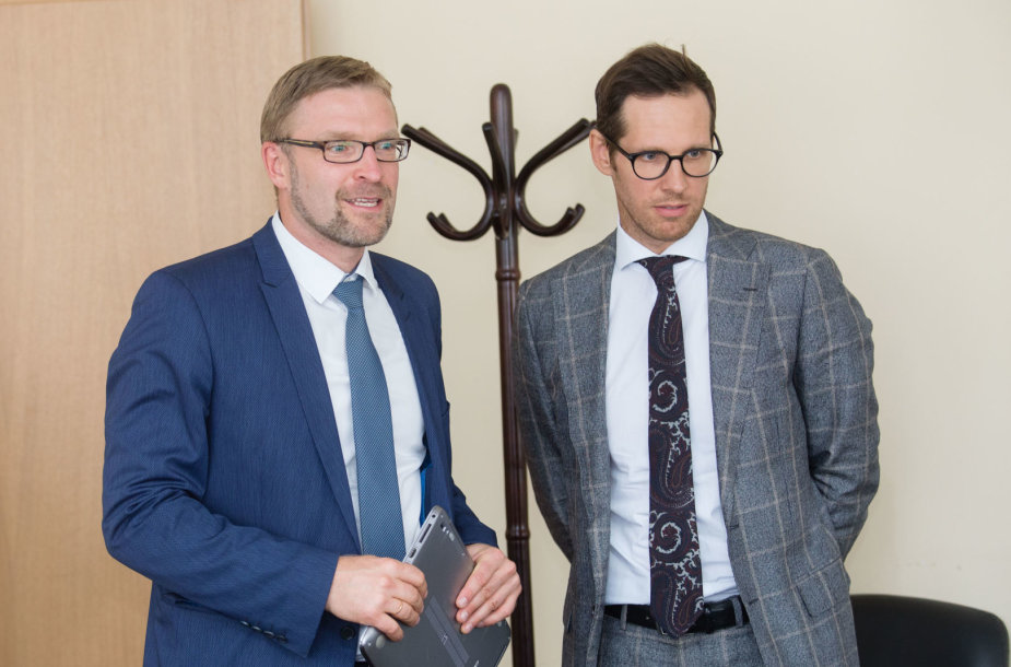Socialinės apsaugos ir darbo ministerijoje vyko pasitarimas dėl prekybos centru darbo laikų