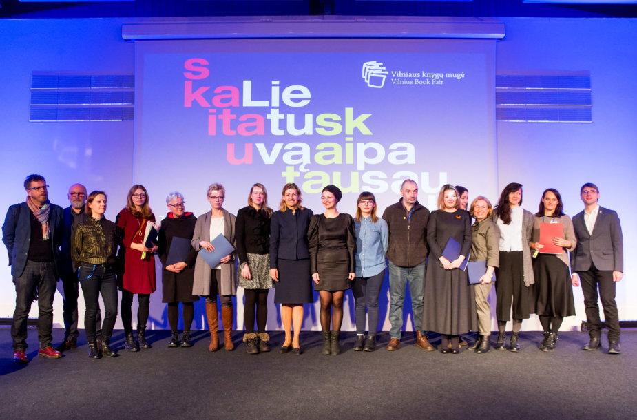 Vilniaus knygų mugėje apdovanoti meniškiausių knygų kūrėjai