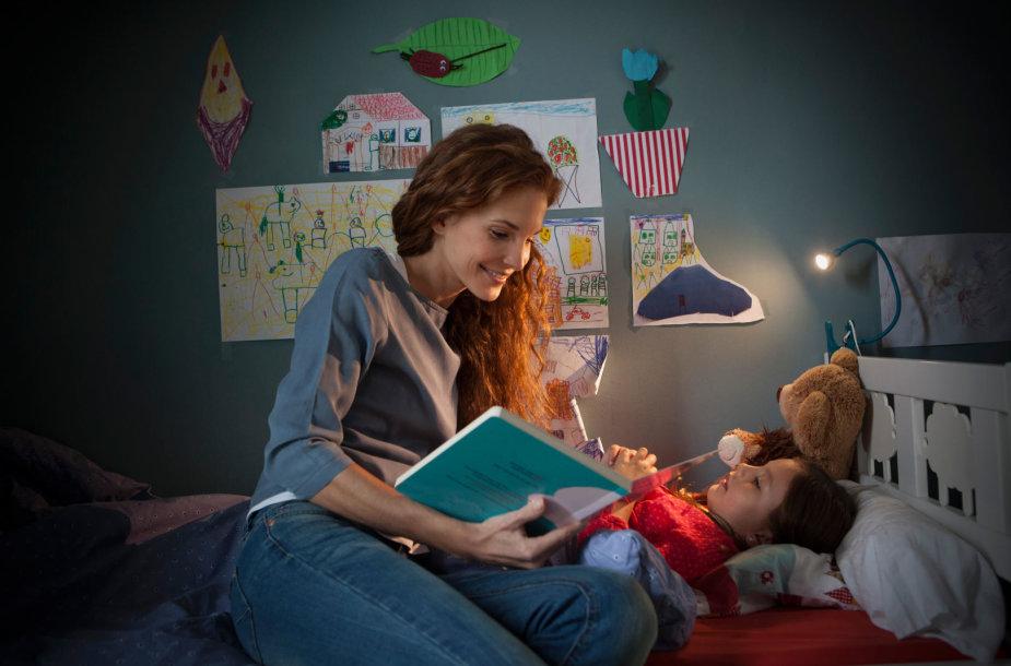 Mama skaito vaikui
