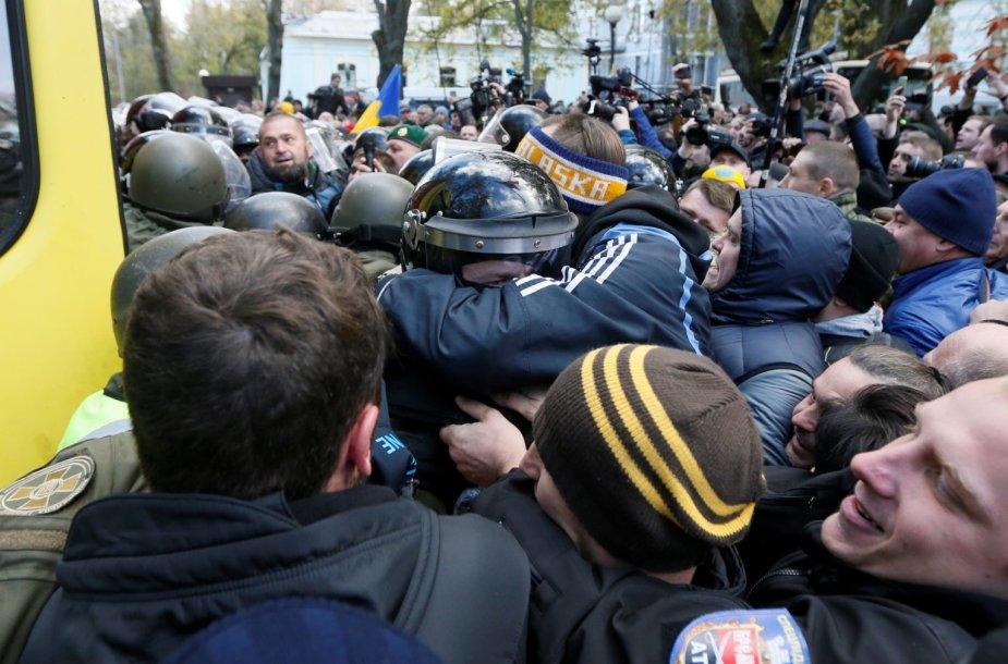 Kijeve tęsiasi protestai prieš esą korumpuotą valdžią