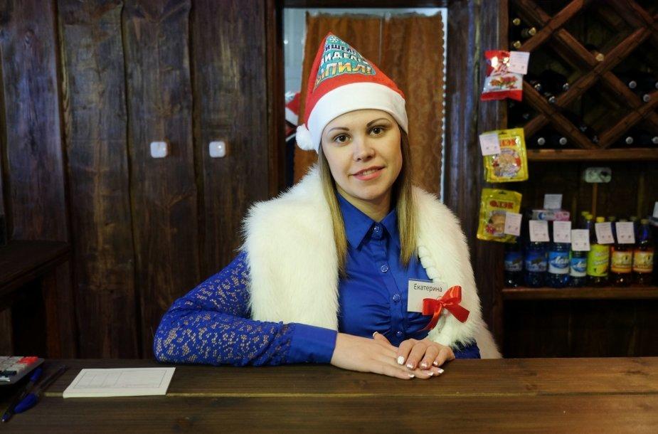 Jekaterina – barmenė prieš kryžkelės esančiame bare