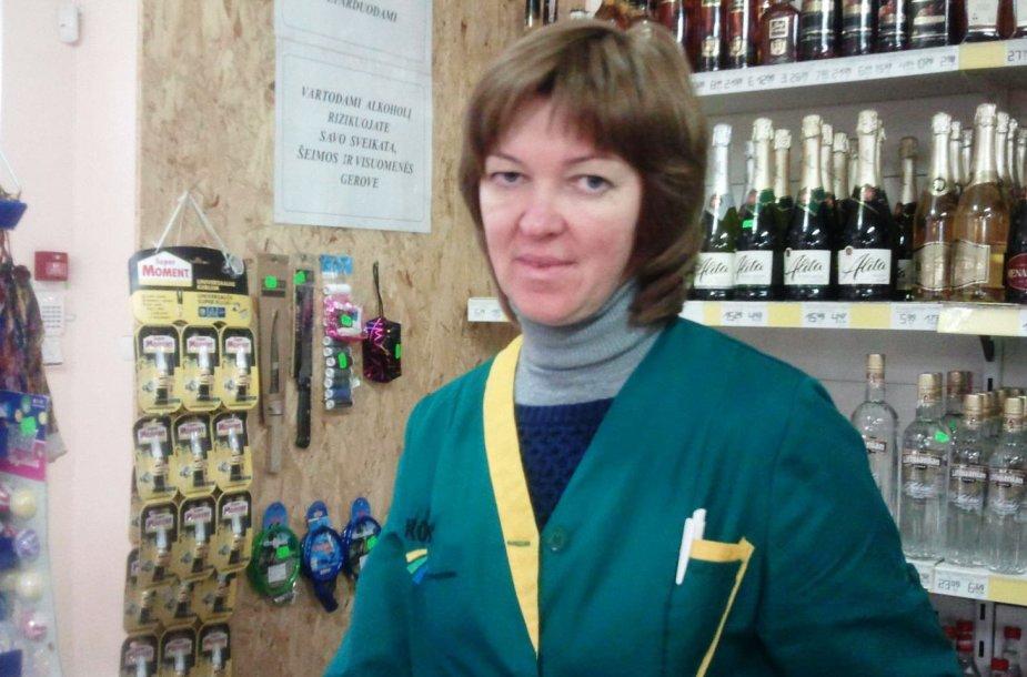 Dovilų parduotuvės darbuotoja Jovita Eringienė