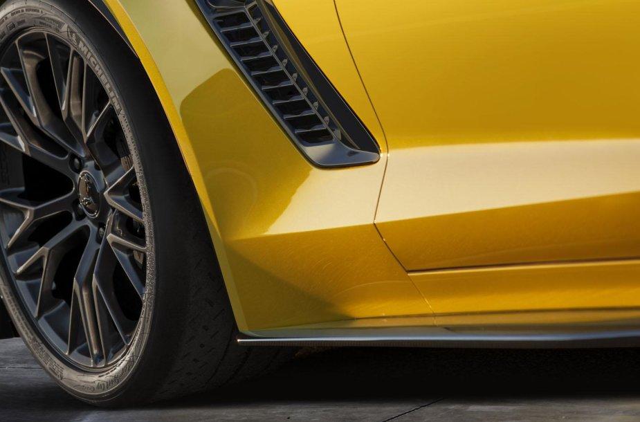 """2015 m. """"Chevrolet Corvette Z06"""" užuomina"""