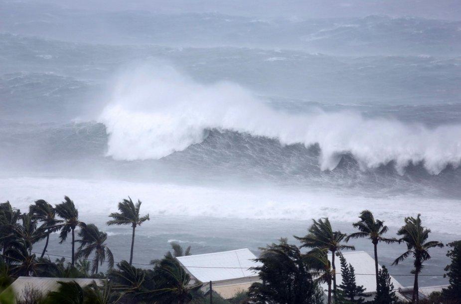 Reunjono saloje siaučia uraganas Bejisa
