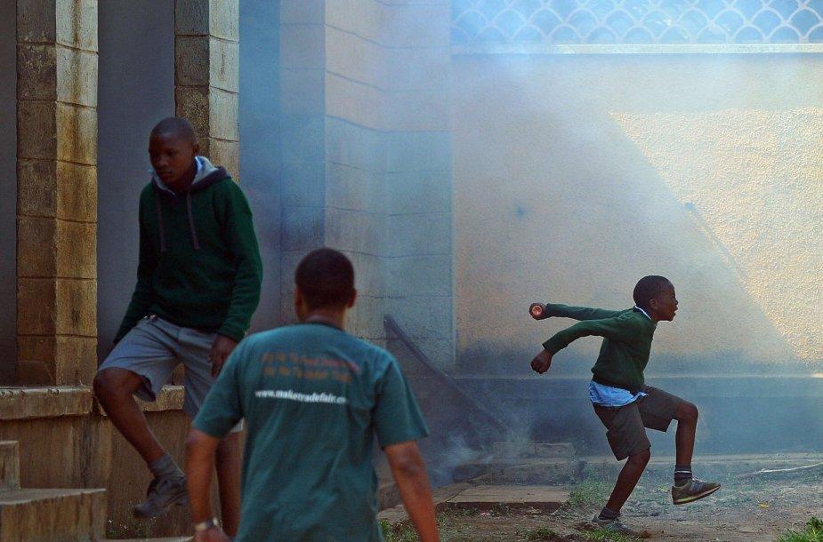 Moksleivių protestas Kenijoje