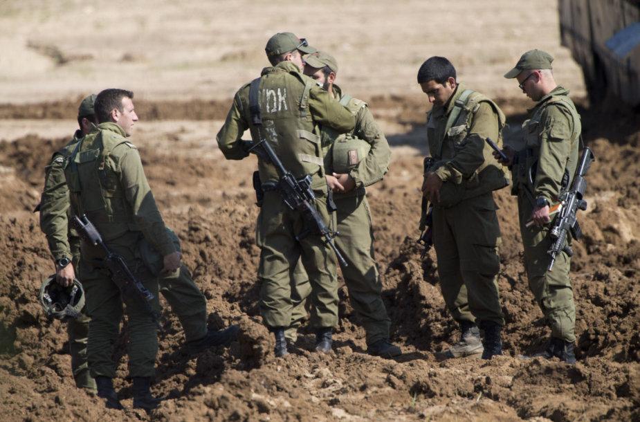 Izraelio kariai prie sienos su Gazos Ruožu