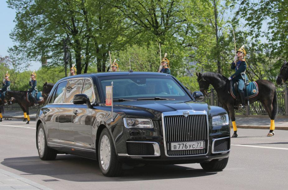 Vladimirą Putiną į inauguracijos ceremoniją atvežęs rusiškas limuzinas