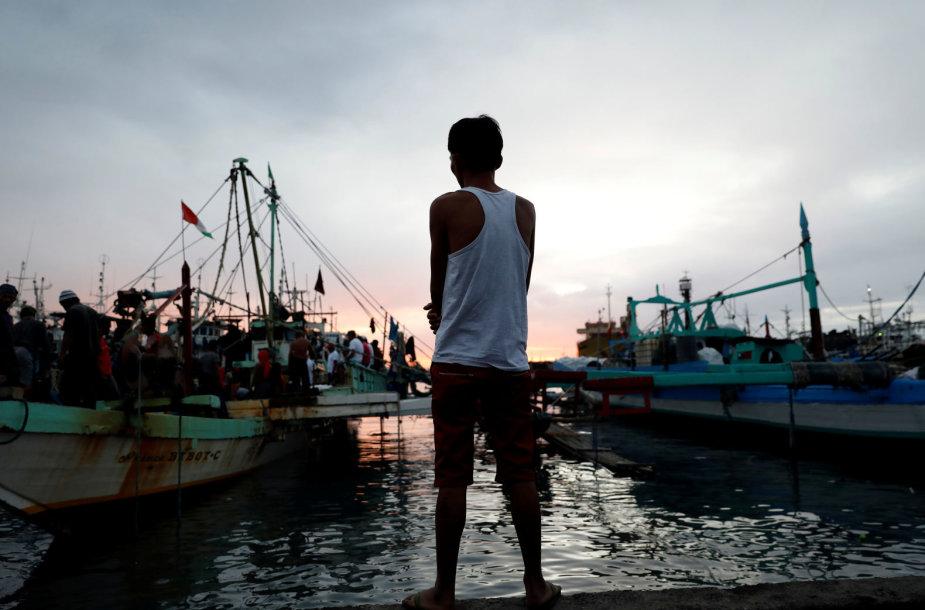 Agresyvi policijos kova su narkotikais įbaugino Manilos lūšnynų gyventojus