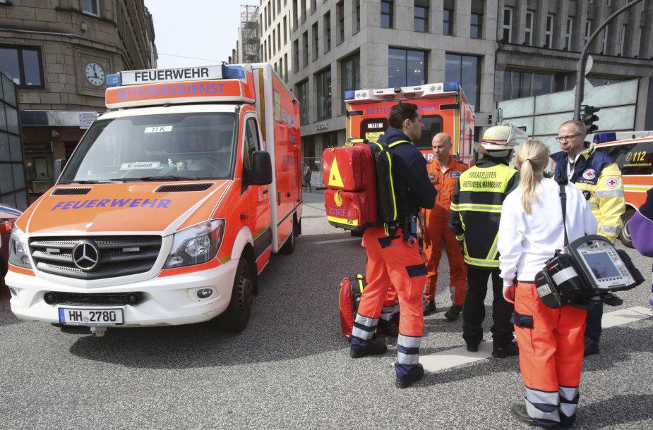 Medikai išpuolio Hamburge vietoje
