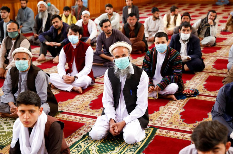 Afganistaniečiai mečetėje