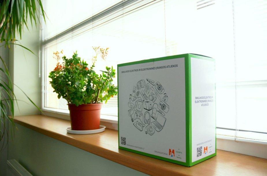 Atliekų rūšiavimo dėžutė ant palangės