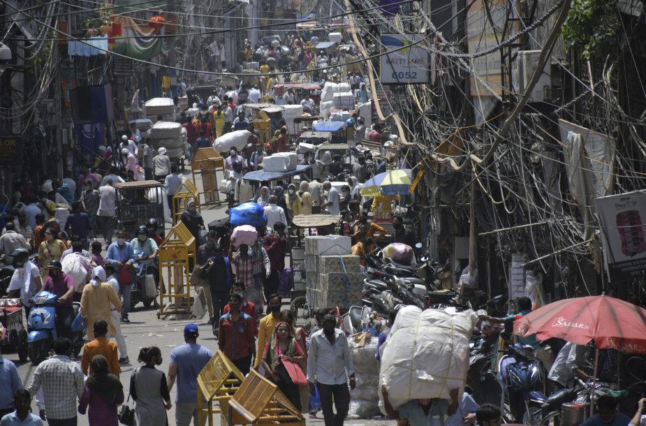 Žmonės Indijos turguje