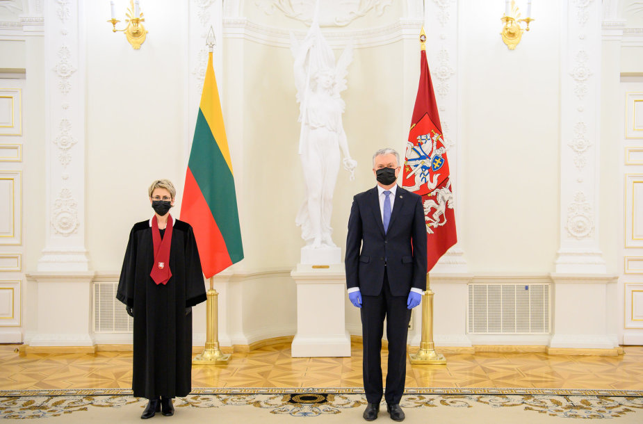 Prezidentas priėmė generalinės prokurorės Nidos Grunskienės priesaiką