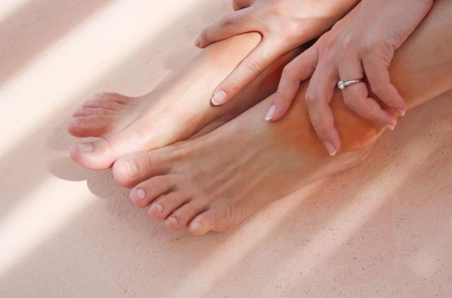 Kojų tinimas dažniausiai pasireiškia vasarą