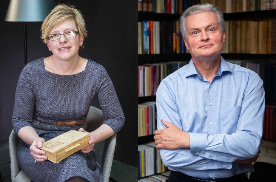 Ingrida Šimonytė su savo mėgstama knyga apie Šveiką ir Gitanas Nausėda savo namų bibliotekoje