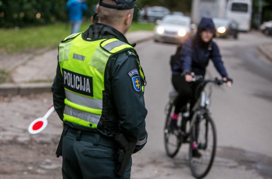 Vilniaus policijos pareigūnai tikrino ar saugiai važami vaikai
