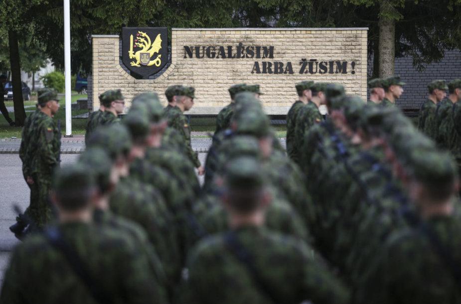 Nuolatinės privalomosios pradinės karo tarnybos karių priesaikos ceremonija Dragūnų batalione