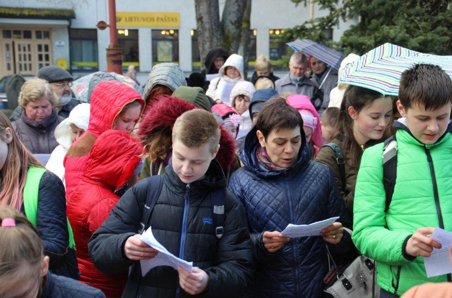 Naujas Lietuvos rekordas – lietuvių klasikę vienu metu skaitė 520 žmonių