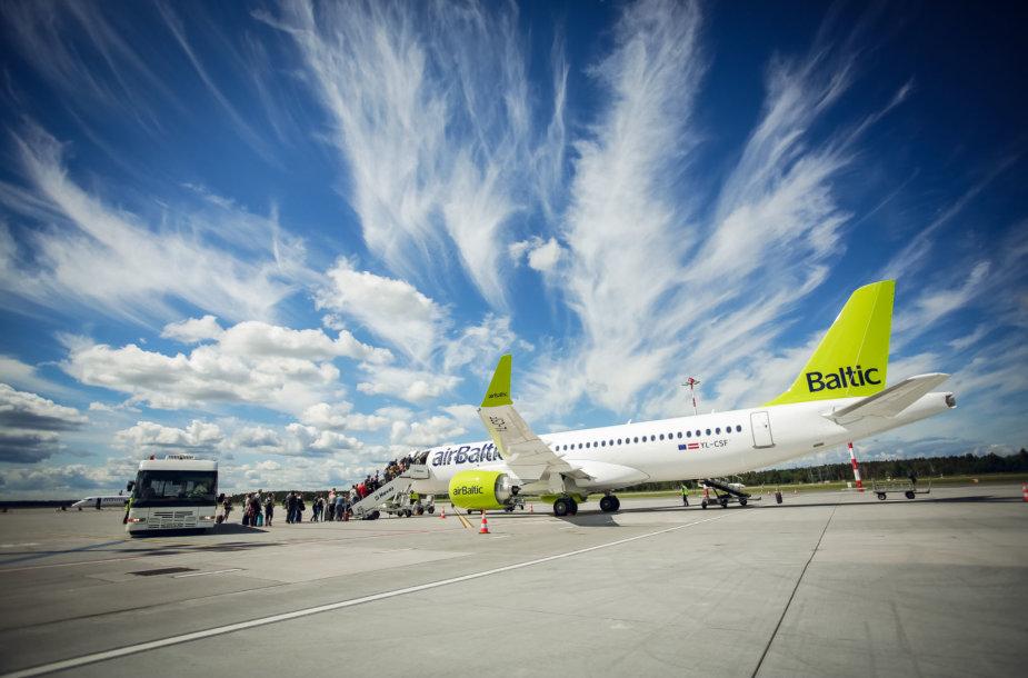 """""""airBaltic"""" pristatė naujas 2018 m. vasaros kryptis – jos kaip niekada malonios atostogautojams"""
