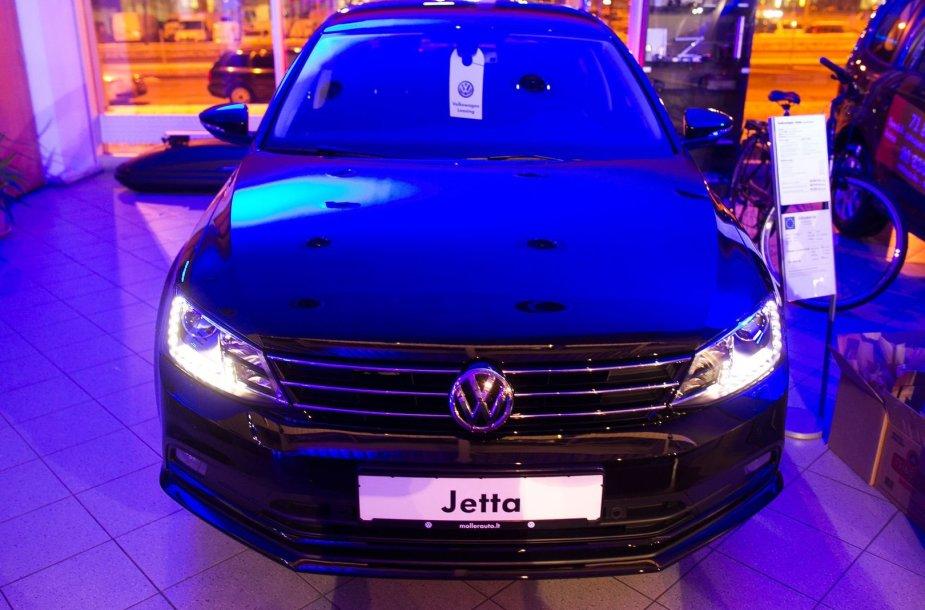 """""""Volkswagen"""" naujų modelių pristatymas """"Moller auto"""" salone"""