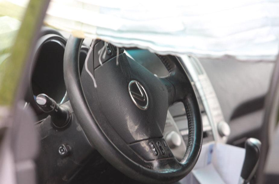 """Lexus"" avarija Grigiškėse"