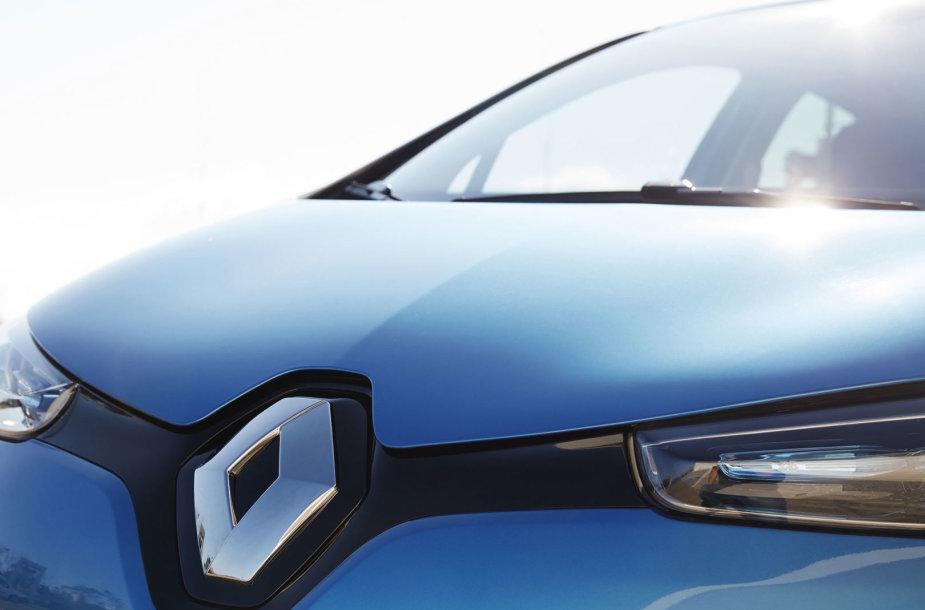 """Elektrinis """"Renault Zoe"""" pasiekė Lietuvą."""